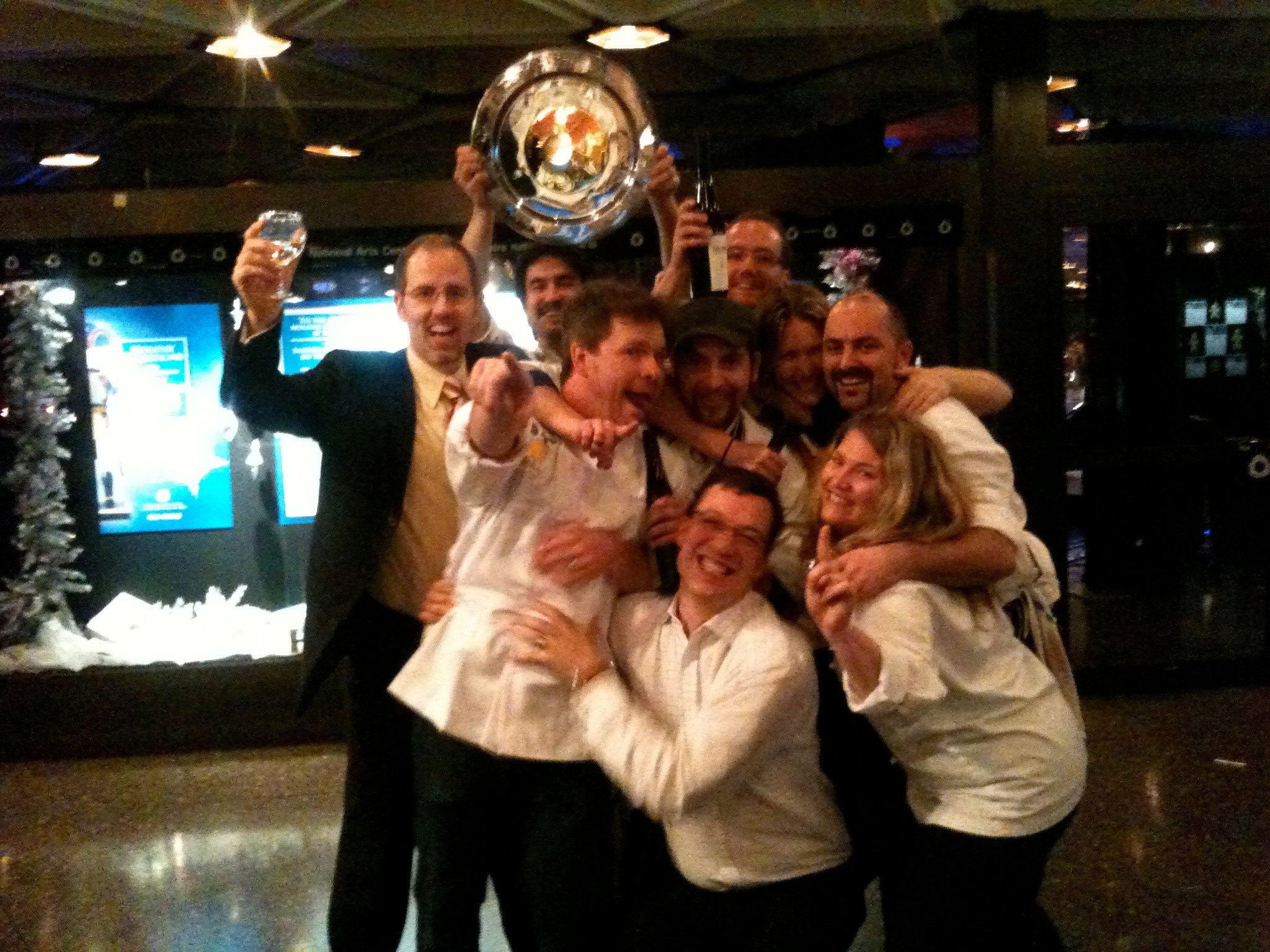 Steve (bottom, centre) and the rest of the 2010 Gold Medal Plates winning team